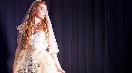 La stilista cittanovese Monica Caminiti trionfa a Milano Primo premio all'Ethical Fashion