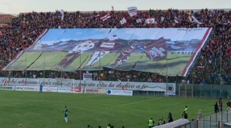 Serie C : Reggina nel segno di Ungaro Un gol capovaloro dell'attaccante consente di proseguire il sogno play-off