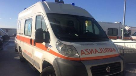 Incidente in Calabria, madre e figlio cadono da motorino La donna è stata trasportata in elisoccorso all'ospedale