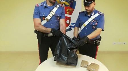 Controlli Carabinieri Piana Gioia Tauro: tre arresti Attività finalizzate al controllo della circolazione stradale e alla prevenzione e repressione dei reati predatori e in materia di sostanze stupefacenti