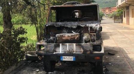 Incendiati due mezzi di proprietà di un'impresa edile Sull'episodio indagano i Carabinieri