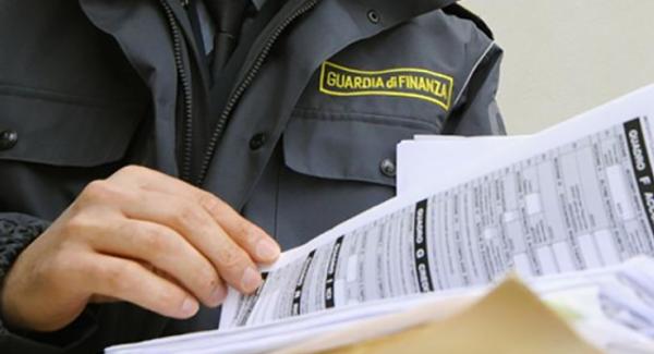 """Gioia Tauro, la Guardia di Finanza denuncia un """"evasore totale"""" Si tratta di un professionista che esercita attività di consulenza imprenditoriale"""