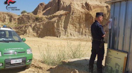 Lavori in una cava senza prescrizioni, scatta il sequestro Il proprietario dell'area è stato denunciato dai Carabinieri Forestali
