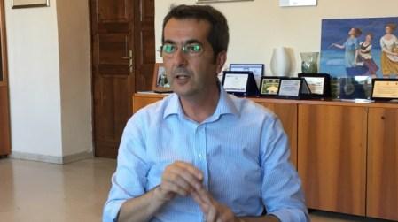 Pronte le dimissioni di Raffale Loprete? Il PD indica i tre punti per salvare la maggioranza dopo una riunione infuocata