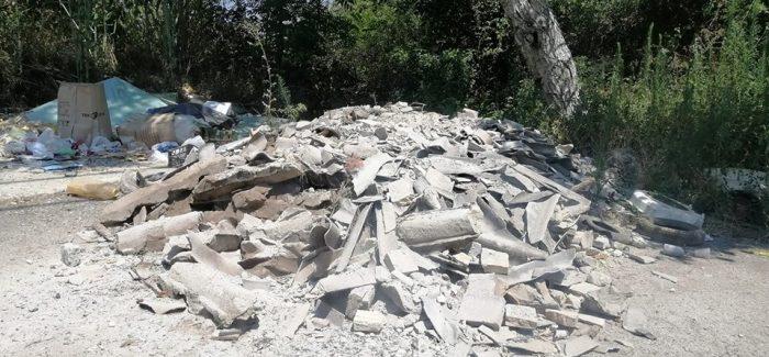 Taurianova, discarica con materiale contaminante Simona Monteleone, commissario di Fratelli D'Italia Taurianova, segnala rifiuti pericolosi