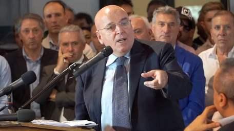Dramma sanità, rischiano chiudere gran parte ospedali Calabria Il disperato tentativo del governatore Oliverio, la convocazione di un consiglio straordinario