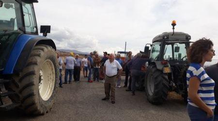 Protesta agricoltori, bloccato l'accesso ad una discarica Impossibilità per gli autocarri di poter sversare il loro carico all'interno dell'impianto