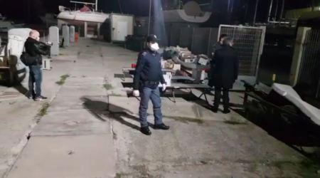 Sbarco migranti porto Roccella, arrestati due presunti scafisti Fermati dalla Squadra Mobile e dal Commissariato di Polizia di Stato di Siderno
