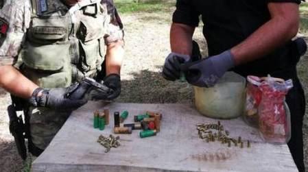 Pistola con matricola abrasa, arresto Carabinieri Taurianova I militari  hanno inoltre sequestrato un'arma da fuoco occultata in un terreno agricolo