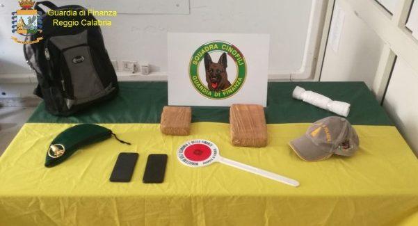 """Operazione """"Bravo Cotraro"""", sequestro quasi 2 chili cocaina Il corriere è stato arrestato dalla Guardia di Finanza reggina"""