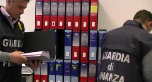 Rimborsi fiscali per impianti energetici mai realizzati, 7 arresti La Guardia di Finanza sequestrato beni per 110 milioni di euro in varie zone d'Italia