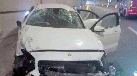 Auto si schianta in una galleria, gravi due persone Necessario l'intervento dell'elisoccorso per il trasferimento in ospedale