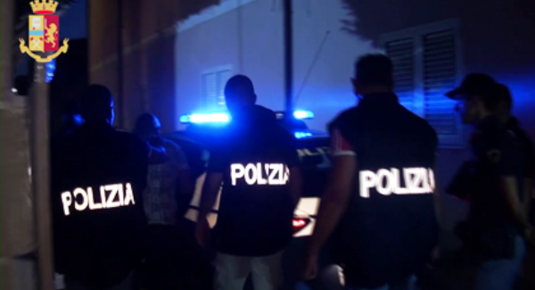 Polistena, un arresto per violenza e resistenza a pubblico ufficiale Il fuggitivo è stato intercettato sulla Strada di Grande Collegamento Jonio – Tirreno