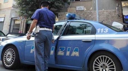 Sventato un probabile furto e il proprietario è denunciato per detenzione di sostanze stupefacenti La Polizia di Stato interviene per un allarme antifurto di un veicolo