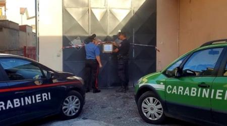 Violazioni norme smaltimento rifiuti, sequestrata autofficina I Carabinieri e gli uomini della Forestale hanno deferito tre persone