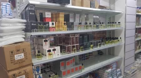 Sequestrati oltre 2mila prodotti contraffatti a negozio cinese La titolare della ditta è stata denunciata dalla Guardia di Finanza per i reati di contraffazione e ricettazione