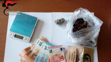 Un arresto per detenzione e spaccio di stupefacenti e droga I Carabinieri passano al setaccio la città di Reggio Calabria