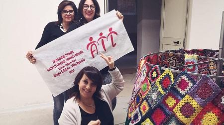 """Taurianova alla """"ricerca"""" del """"filo"""" della speranza Sabato 7 dicembre, a piazza Italia, ci sarà l'inaugurazione dell'albero della vita per sostenere la battaglia contro leucemie, linfomi e mielomi. Fondamentale il contributo delle volontarie Ail per la realizzazione del progetto"""