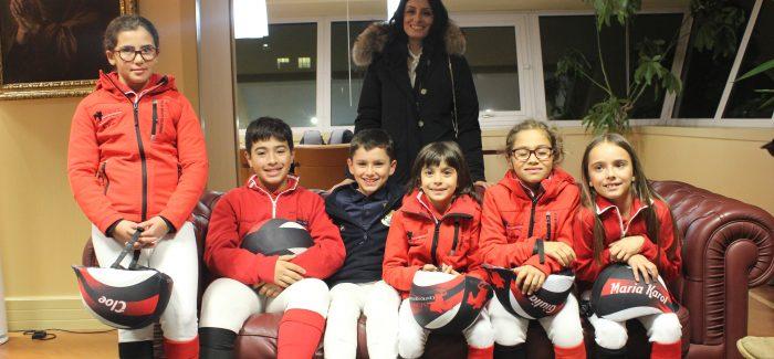 """Gioia, il centro d'equitazione Starace trionfa ad Agnano Cavalieri e amazzoni fanno incetta di premi al """"Trofeo dei tre mari"""""""