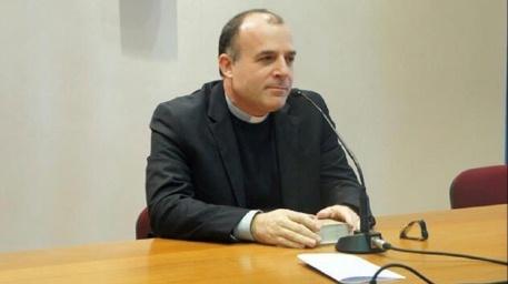 Don Angelo Panzetta è il nuovo arcivescovo della diocesi di Crotone-Santa Severina Egli succede a S. E. mons. Giuseppe Graziani (2006-2019), dimessosi per il raggiungimento dei limiti di età