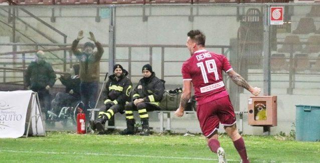 Serie C : la Virtus Francavilla conquista il Granillo Buono il primo tempo degli amaranto che cedono il passo nella ripresa. Squadra in ritiro.