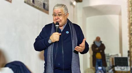 Callipo a Speranza: «Basta commissariamenti». Stoccata a Salvini: «Vuole colonizzarci» Durante un incontro a Vibo il candidato alla Presidenza della Regione ha detto al ministro della Salute: «Possiamo e dobbiamo rialzarci da soli, perché se si va avanti così saremo costretti ad andare fuori dalla Calabria anche per le cure più comuni». E sul leader della Lega ha aggiunto: «Ha svelato il suo intento: fare gli interessi del Nord»