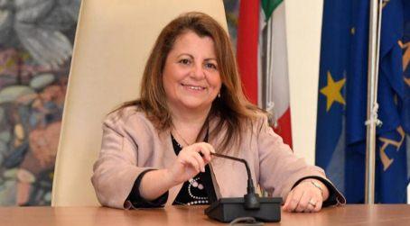 """Calabria, """"perfino condannata per omicidio colposo, secondo la stampa"""" I 5 Stelle richiedono a Santelli di """"cacciare Catalfamo"""" dalla giunta regionale"""